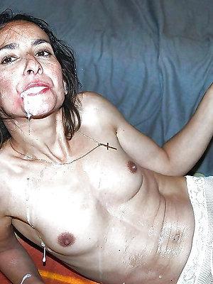 grown up amateur xxx posing nude