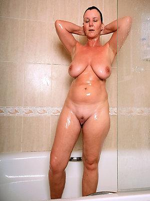 fantastic mature bare amateur pictures
