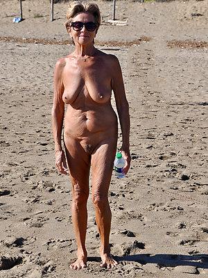grown up beach tits posing nude