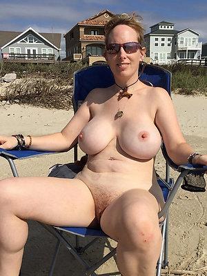 beauties overt mature beach