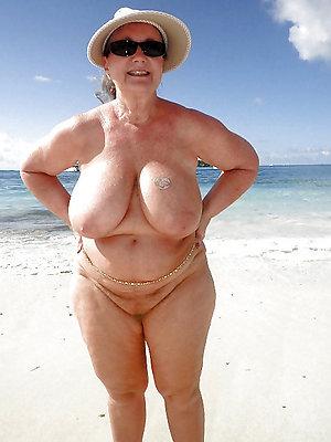 hotties mature naked coast pics