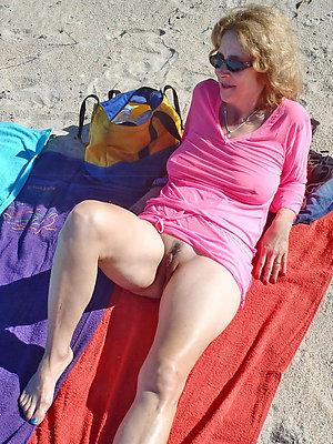 crazy mature beach women pics