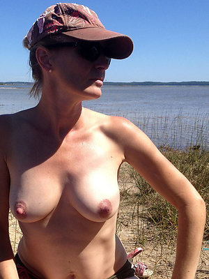 slutty matures on high the beach pics