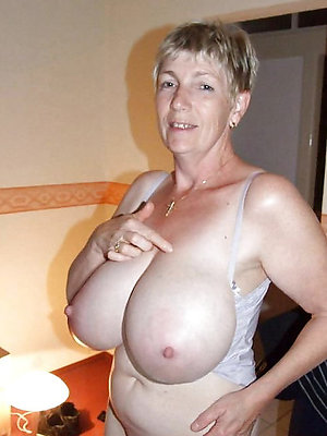 nasty amateur mature fat tits xxx