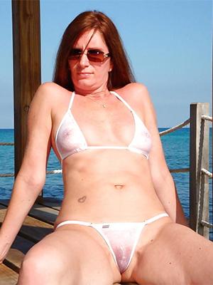mature moms respecting bikinis love porn