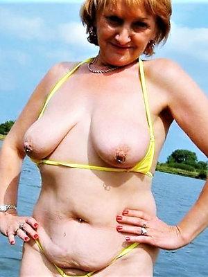 matures in bikini love porn