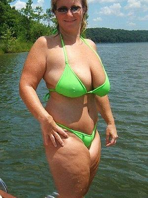 sexy matured bikini love porn
