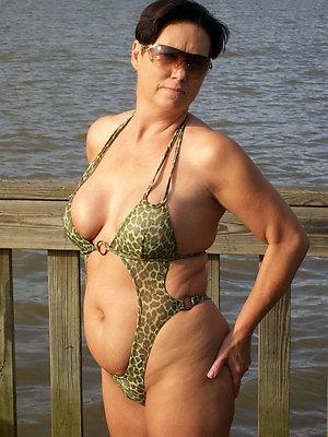 gorgeous mature bikini gallery