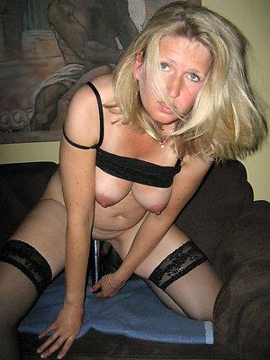 naught blonde mature porn pics