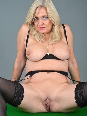 blonde of age milf love porn