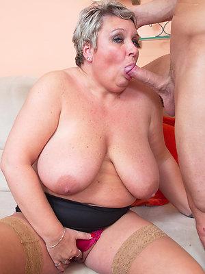 porn pics of mature women bulky blowjobs