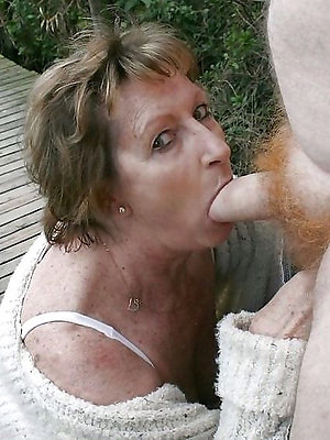 free pics of mature women giving blowjobs