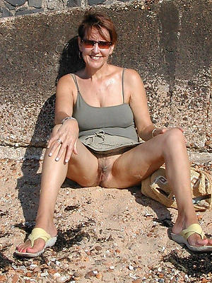 naughty mature milf upskirt