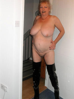 super-sexy mature naked wife pics