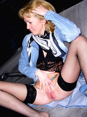 sexy old white body of men displaying her pussy