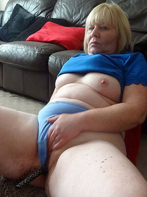 hot old women in panties pics