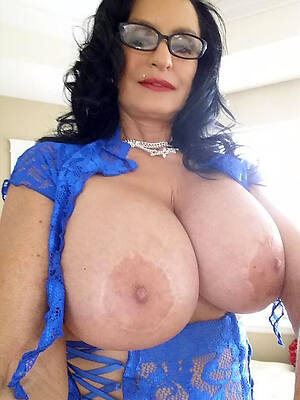 free hd mature far glasses free porn pics