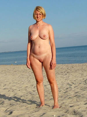 hot matured on nude beach pics