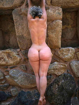mature pussy with an increment of ass high def porn