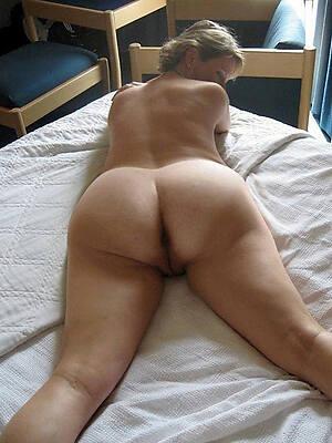amazing mature ass pic