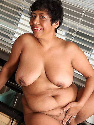 sexy mature latinas pictures