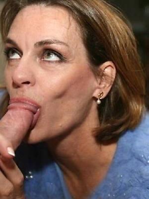 mature blowjobs posing nude