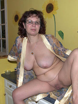 exposed mature housewives swaggering def porn