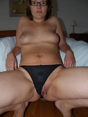 petite mature panty pics