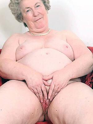 hot X-rated nude grandma