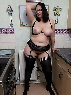naked mature housewives amateur porn pics