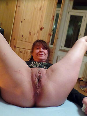 sexy shaved matures pics