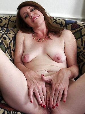 mature horny moms pics