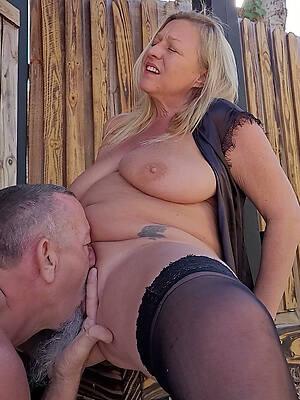 abrading mature pussy inexpert porn pics