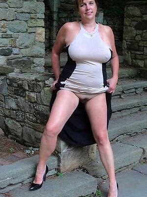 amateur mature show one's age pics