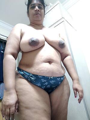 indian mature nude photo