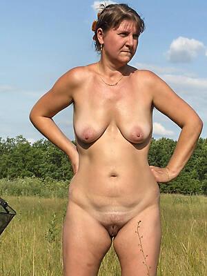 older horny women posing nude