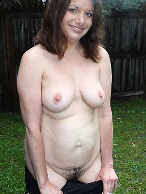 petite sexy mature women pictures