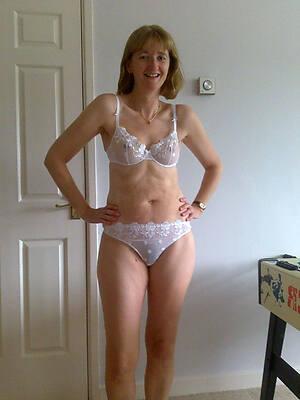 beauties matures in lingerie pics