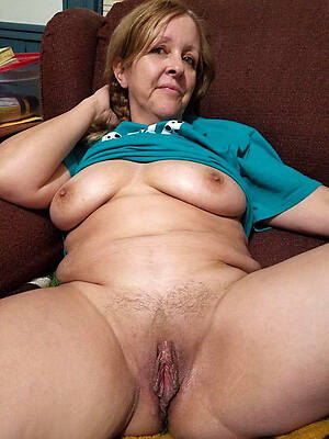 amazing mature wet pussy