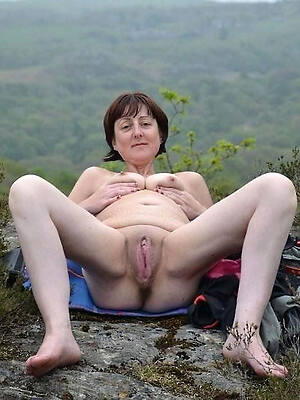 old mature pussy posing nude