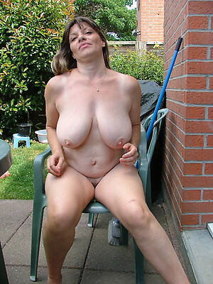 naked pics of single old women