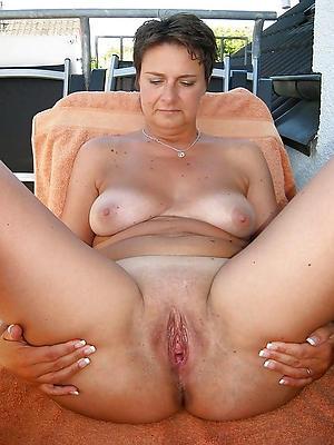 beautiful solo mature porn