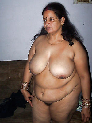 comely mature indian pussy