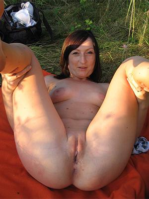 beauties full-grown dabbler nude pics