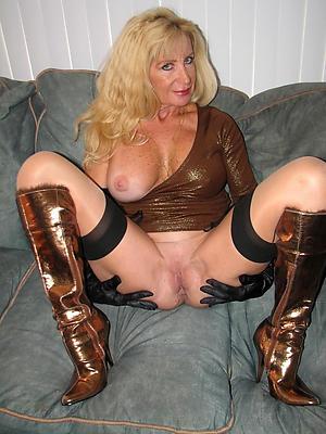 whorish amateur mature women denuded gallery