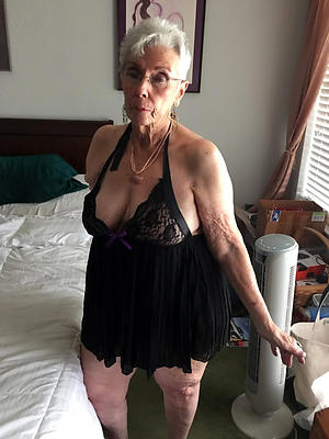 comely mature older nude women