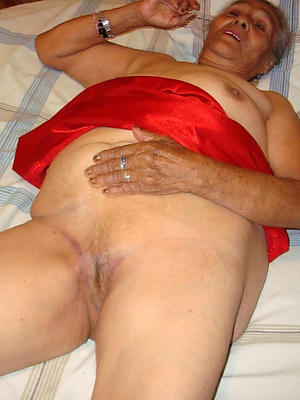 hotties mature unclothed patriarch women