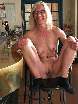 petite nude mature private pics