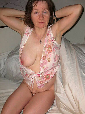 busty private mature pics