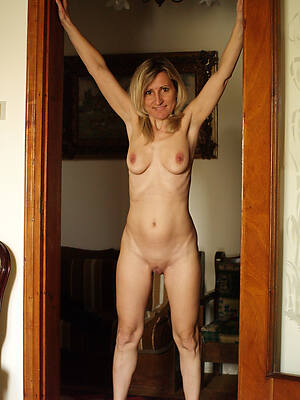 petite skinny of age porn